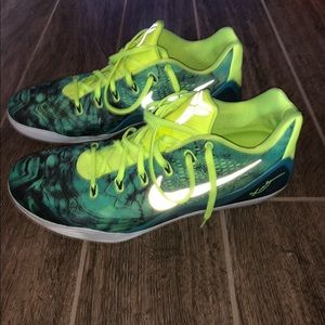 Easter Kobe 9s size 18 LIMITED EDITION
